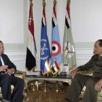 وزير الخارجية الروسي سيرغي لافروف يلتقي رئيس المجلس العسكري المشير حسين طنطاوي في 10 مارس 2012.