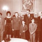 رائد الفضاء السوفيتي يوري جاجارين في زيارته التاريخية لمصر في ضيافة الرئيس جمال عبد الناصر وأسرته بمنزله 1962
