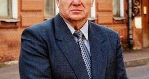 فيكتور بنزين رئيس الأكاديمية الروسية للفنون الشعبية