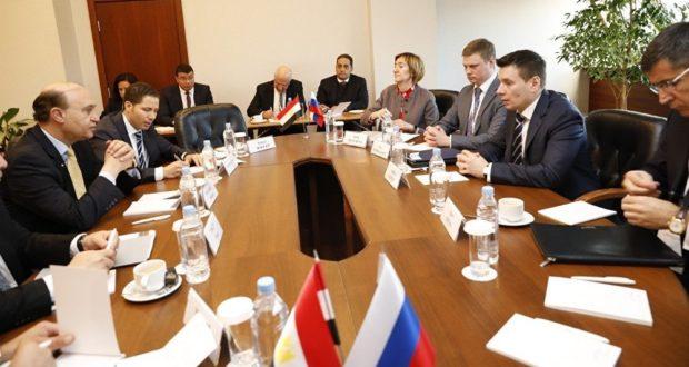 مميش خلال الاجتماعات في روسيا